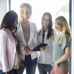 tablet vrouwen overleg, mensely
